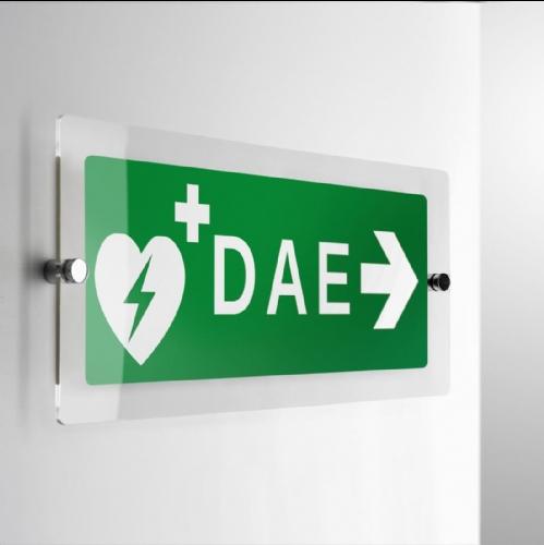 Cartello Plex DAE Defibrillatore direzionale monofacciale